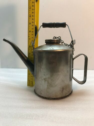 OLD EAGLE SPOUTED OIL CAN MADE IN USA