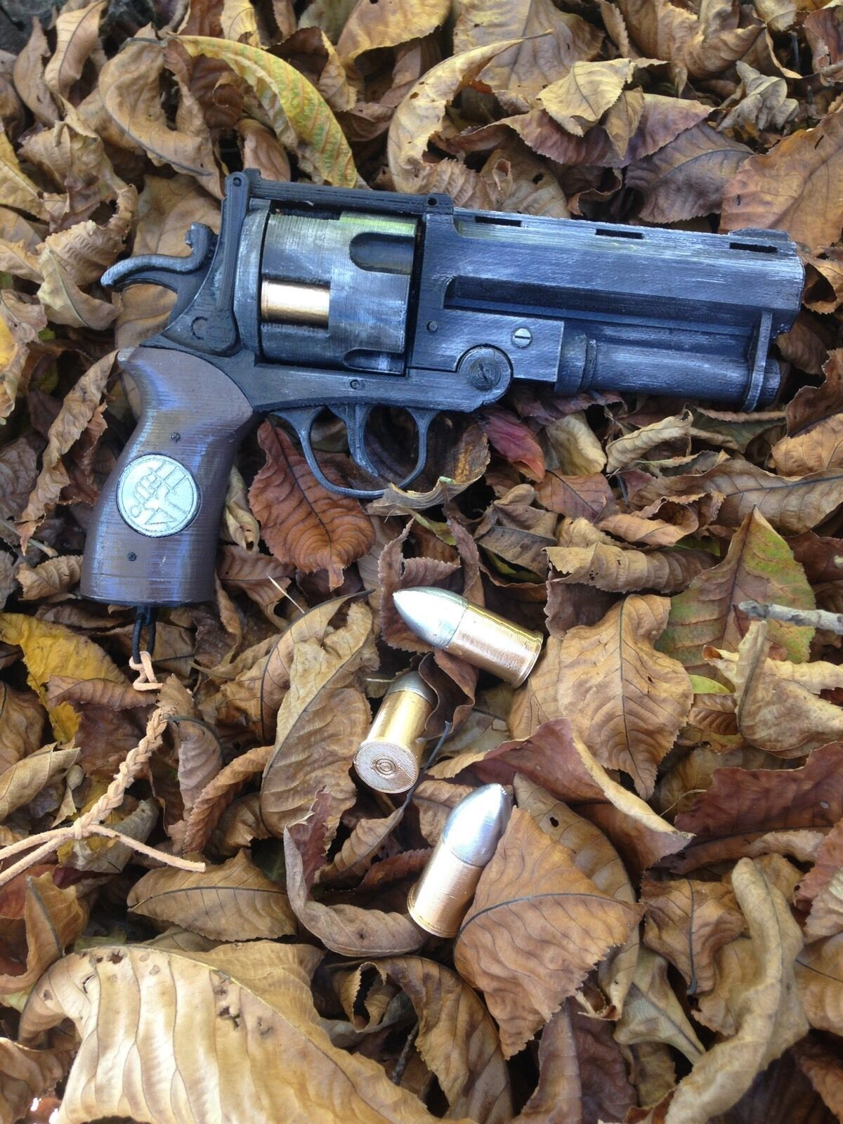 Hellboy Hell Boy Good Samaritan Revolver Gun Blaster Pistol Movie Prop Kit Model