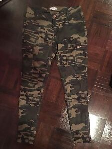 Camo Pants FOREVER 21