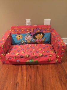 Dora pull out chair