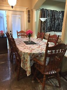 6 chair dining table OAK ( Extendable peice) + china cabinet