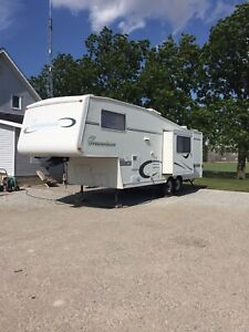 Travelaire bunkhouse fifth wheel