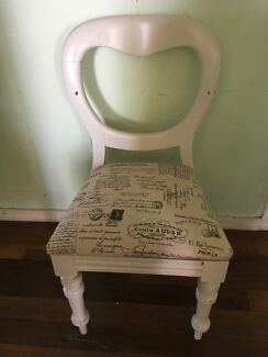 Shabby chic balloon back chair