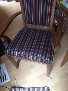 2 beautiful captain chairs London Ontario image 4