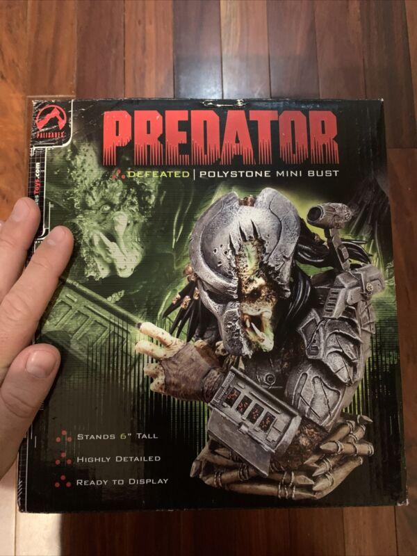 Palisades Predator Defeated Polystone Mini Bust Low #3084 /4000