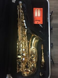Saxophone | Buy or Sell Used Woodwind Instruments in Calgary