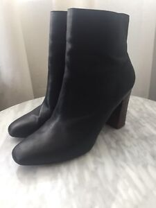 Zara leather women's shoes- boots