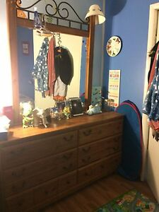 3 piece bedroom set - great condition!