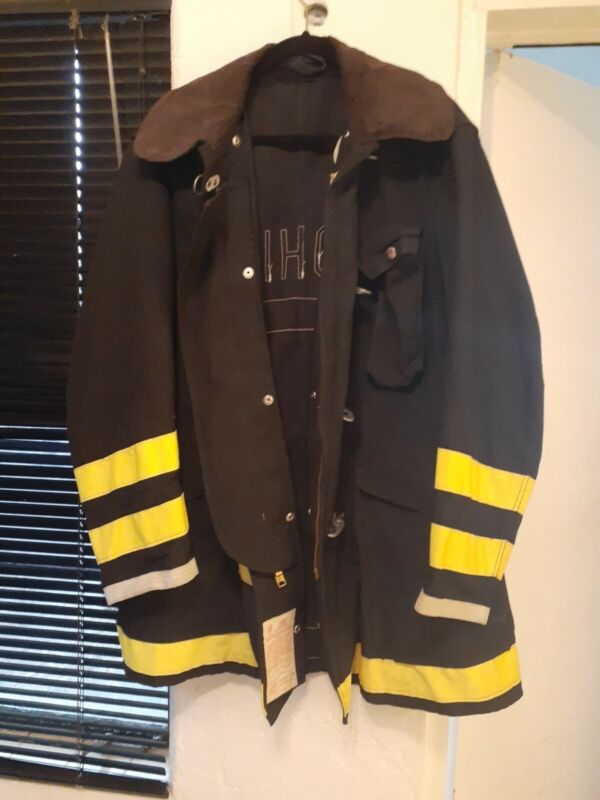 Globe  FIREFIGHTER Jacket Size 44 /35 view pics of specs
