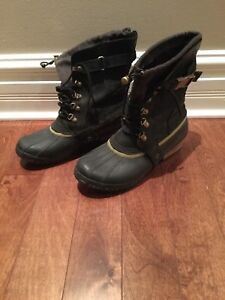 Sorel waterproof boots - size 10 - excellent condition - black