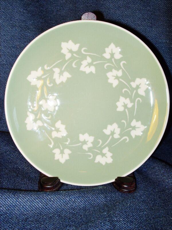 "Beautiful Harkerware Sage Green Ivy Leaf Design 7.25"" Porcelain Salad Plate EUC"