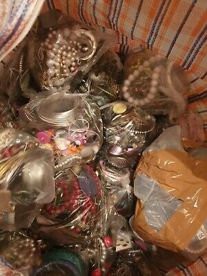 Vintage costume jewellery mixed unsorted bags of 1kg per bag.Extra surplus stock