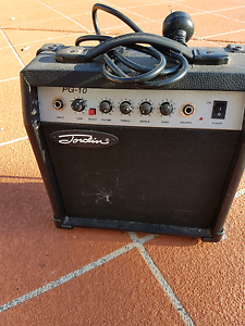 Kids guitar amp Victoria Point Redland Area Preview