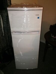 Brand new Appartement size fridge