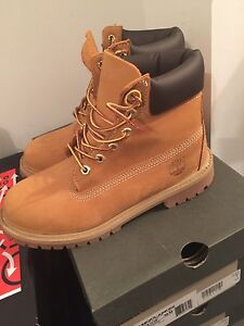 Timberlands brand new size 6 (junior)
