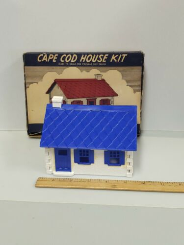 Plasticville HP-9 Cape Cod White House Blue Roof Trim Vintage-Complete - $9.95
