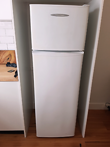 Cheap working fridge freezer Coogee Eastern Suburbs Preview