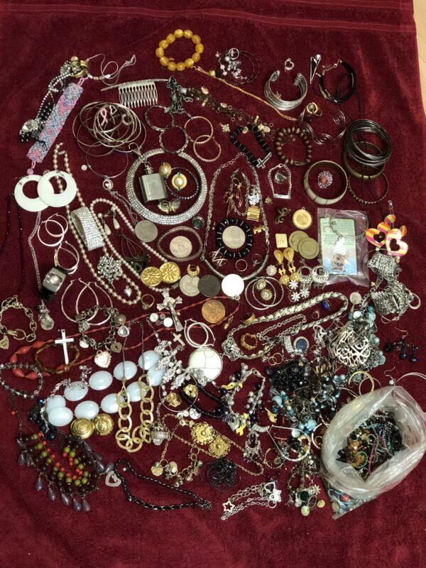 Vintage to modern scrap & wear mix retro costume jewelry lot JL 060821@
