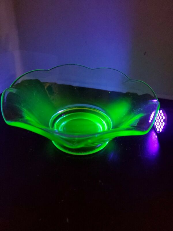 Vintage Uranium Glass Candy Bowl/Dish, Vaseline Glass Scalloped Edge 7 x 3 in