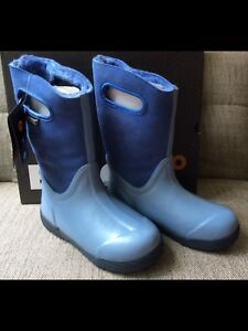 BOGS Kids New Size 4 and 5