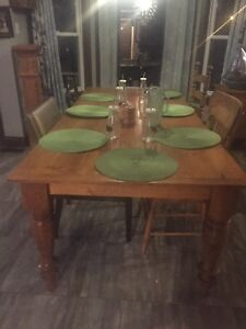 7ft pine harvest table with 4 drawers 8 in legs reduced