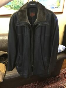 Daniel Men's leather coat size large