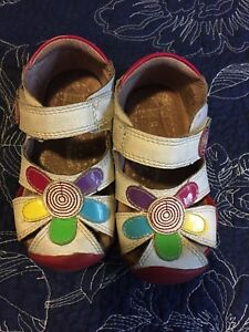 Pedi-ped sandals