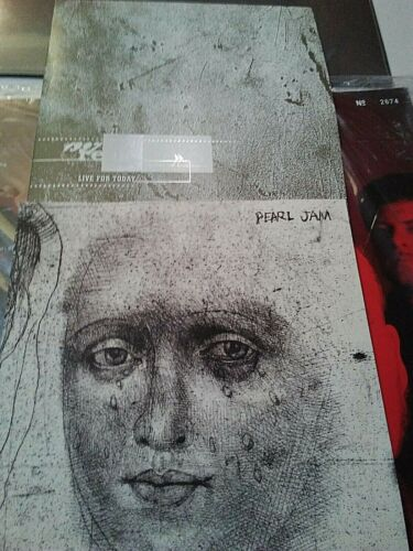 Pearl Jam & REM (2) separate fan club singles One from each band. 1997 MINT