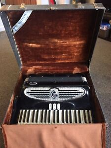 Giulietti  accordion model S.32