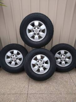 Toyota Hilux SL5 Rims Wheels and tyres x4
