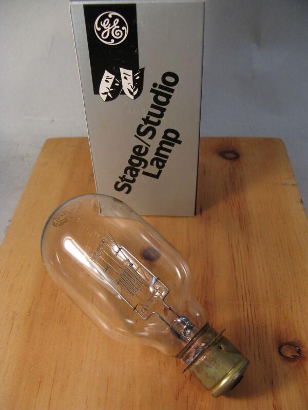 VTG NOS GE GENERAL ELECTRIC STAGE STUDIO SPOTLIGHT LAMP BULB 500T20/64 500W 120V