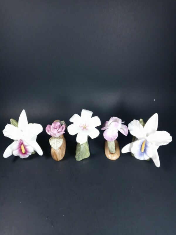 5- Bone China Pia Flower Napkin Rings