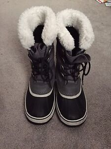 Grey Sorel Carnival Boots size 8