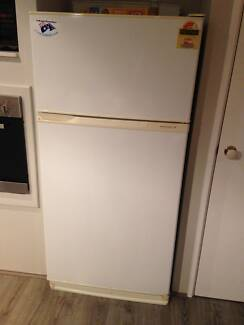 Kelvinator 500L Fridge Freezer Bedford Bayswater Area Preview