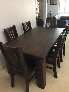 Dining table & chairs Mount Annan Camden Area Preview