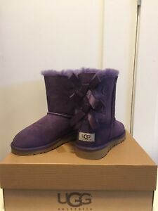Brand new UGG winter boots with box woman size 5 fits