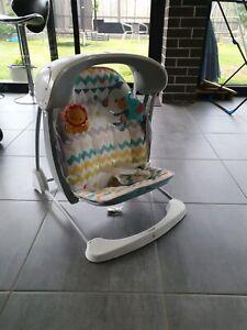 Baby self cradle