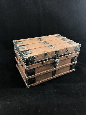 Mezco One:12 John Wick Chapter 2 Armory Chest Crate Action Figure 6 1/12