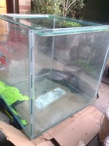 Fish tank 2ft x 2ft 10mm glass Narre Warren South Casey Area Preview