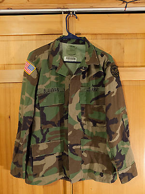 US Army M81 Woodland Camo BDU Uniform Field Jacket, Size Medium Short