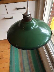 Lampe plafonnier vintage métal émaillé