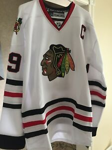 Jonathon Toews Blackhawks Jersey (White) XL