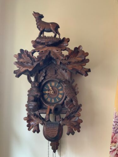VINTAGE Carved Animals Hunters Cuckoo Clock Made in Germany