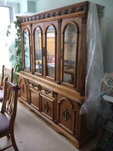 Hutch,table, 6 chairs