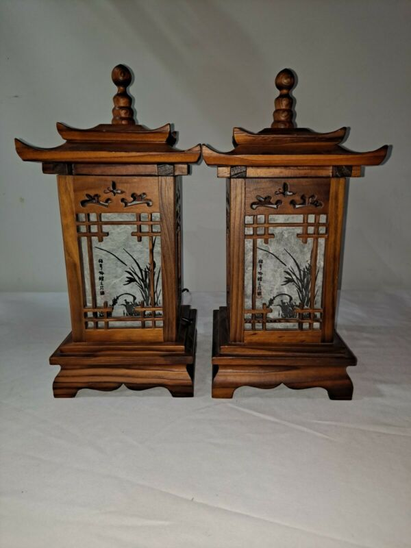 Pair of Japanese Vintage Wooden Pagoda Lamp