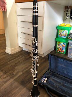 Clarinet - Buffet B12 Student