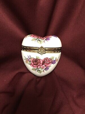 Heart Shape Porcelain Hinged Trinket Box Perfect For A Love Note❣️or Jewelry