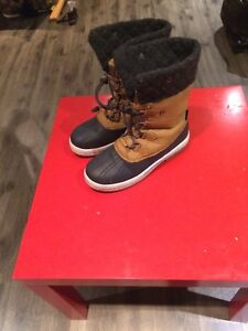 Riverland winter boots size 9