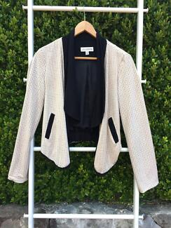 Lulu & Rose Casual Crop Blazer Normanhurst Hornsby Area Preview