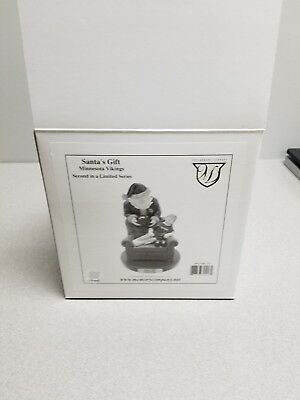 MINNESOTA VIKINGS 2001 Memory Co Christmas Santa's Gift Figurine NFL Football+ - Minnesota Vikings Memory